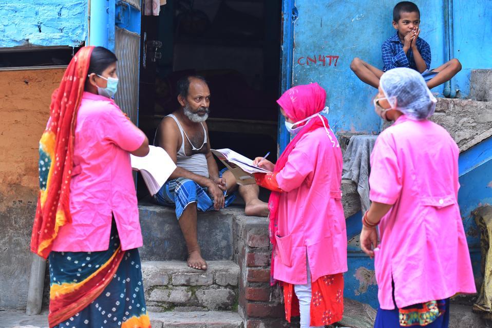Asha Health Workers Do Door To Door Survey To Identify Covid-19 Cases In Delhi