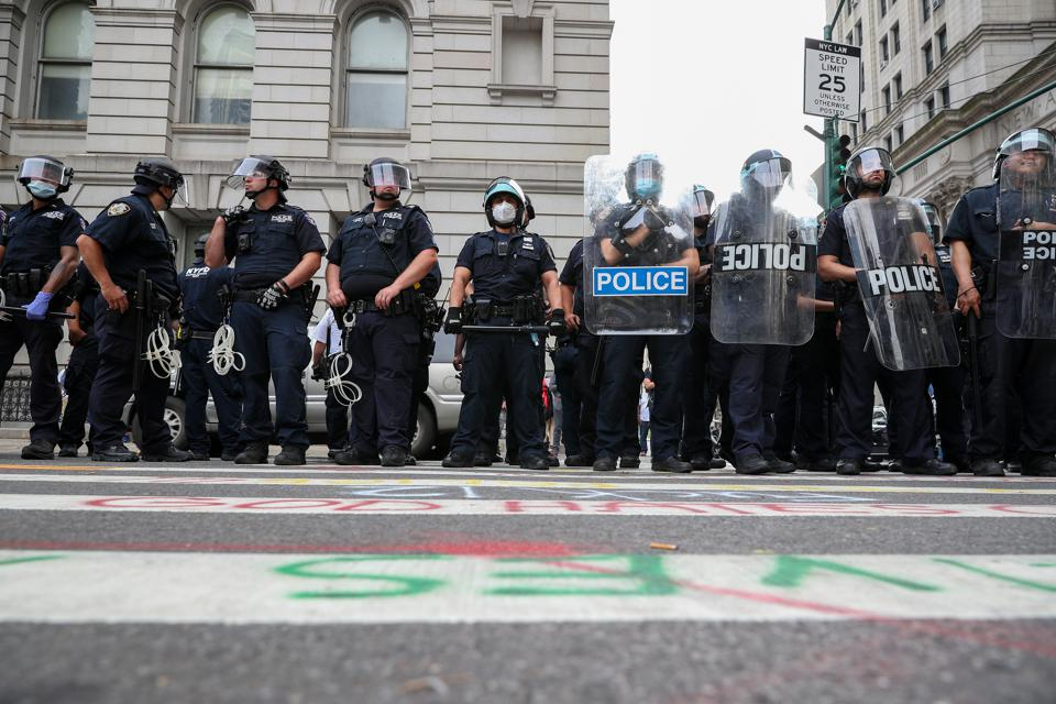 Police clashes with Occupy City Hall protestors in NYC