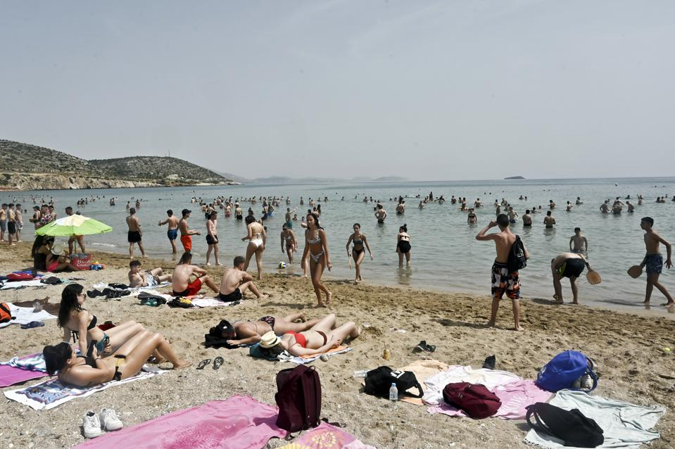 Greece Re-Opens Organised Beaches