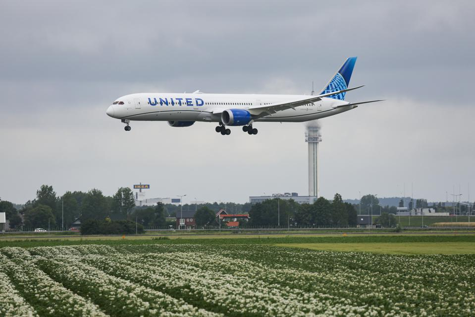 United Airlines Boeing 787-10 coronavirus COVID-19