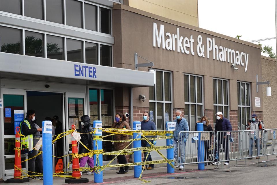 Walmart Quarterly Revenue Surges 8.6 Percent During COVID-19 Pandemic