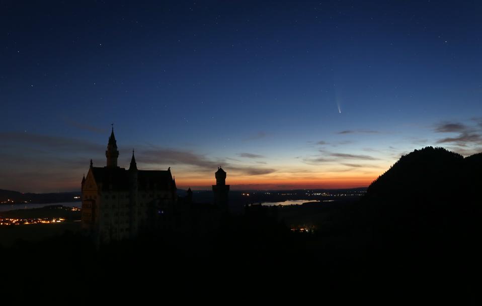 Comet behind Neuschwanstein Castle