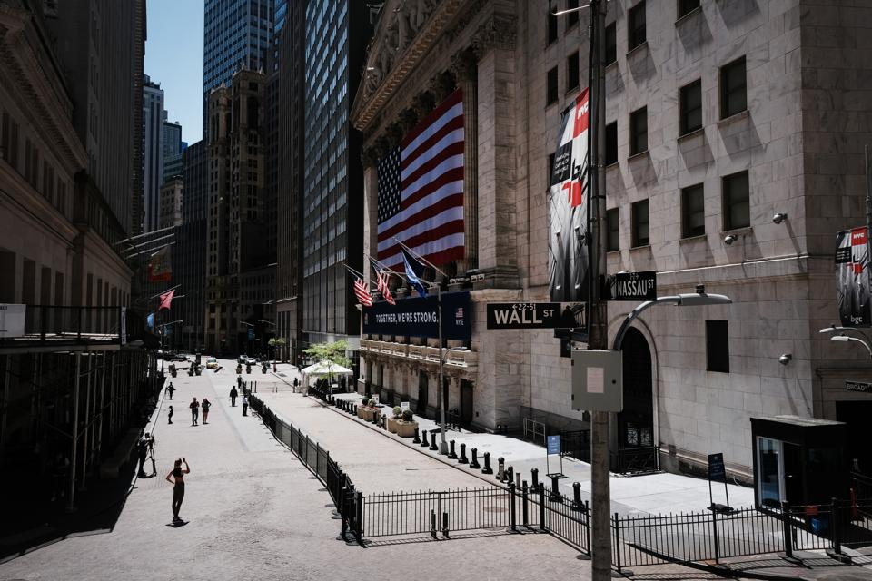 NY Stock Exchange Re-opens To Limited Amount Of Traders