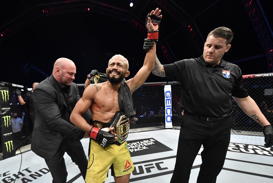 Deiveson Figueiredo defeated Joseph Benavidez last night at UFC on ESPN+ 30