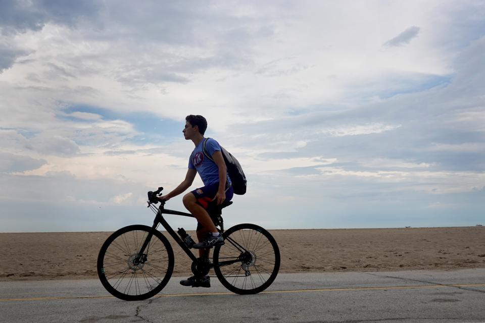Despite Lakefront Trail And Parks Opening, Chicago Beaches Remain Closed