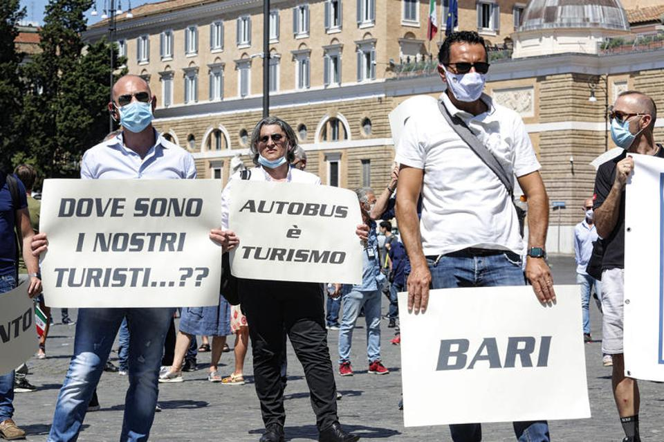 Italy tourism workers protest against lack of tourists in Rome due to US travel ban by EU