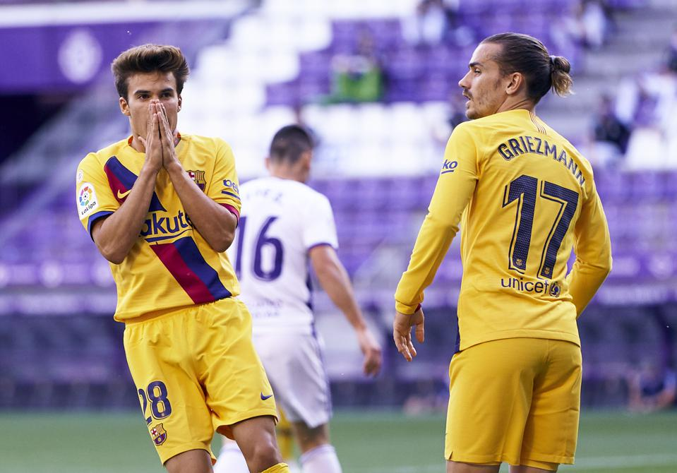 Riqui Puig must start in the Champions League against Napoli.