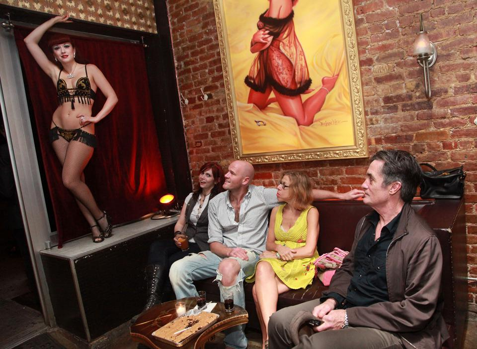 Brooke Shields And Tina Turnbow Host A Private Burlesque Performance