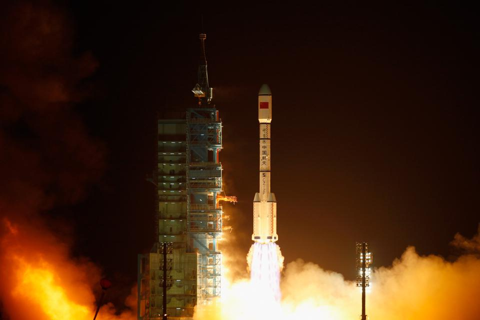Russia And China Discuss Joint Outer-Space Exploration, Moon And Even Mars