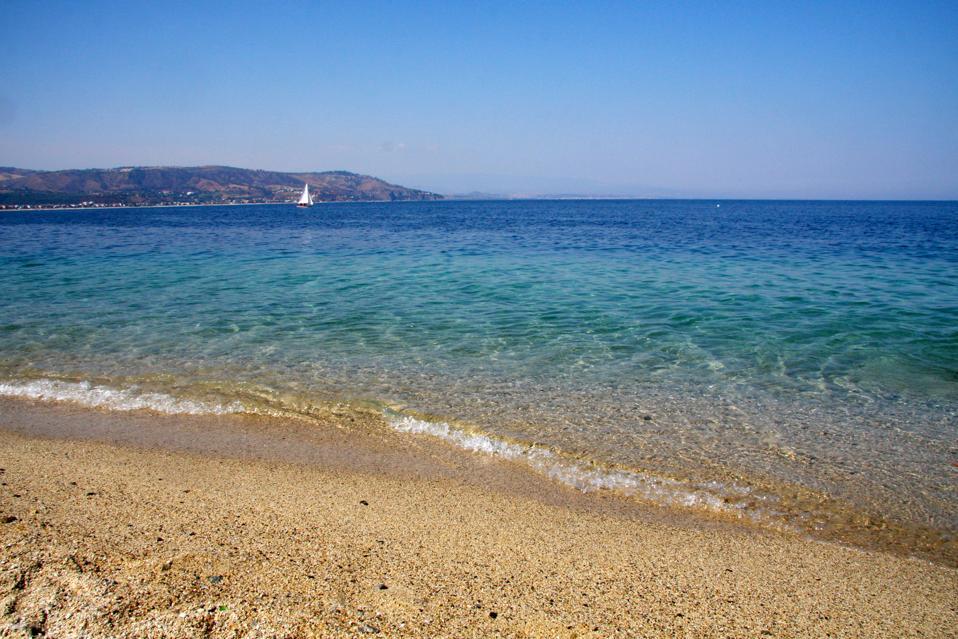Clear blue sea at Soverato