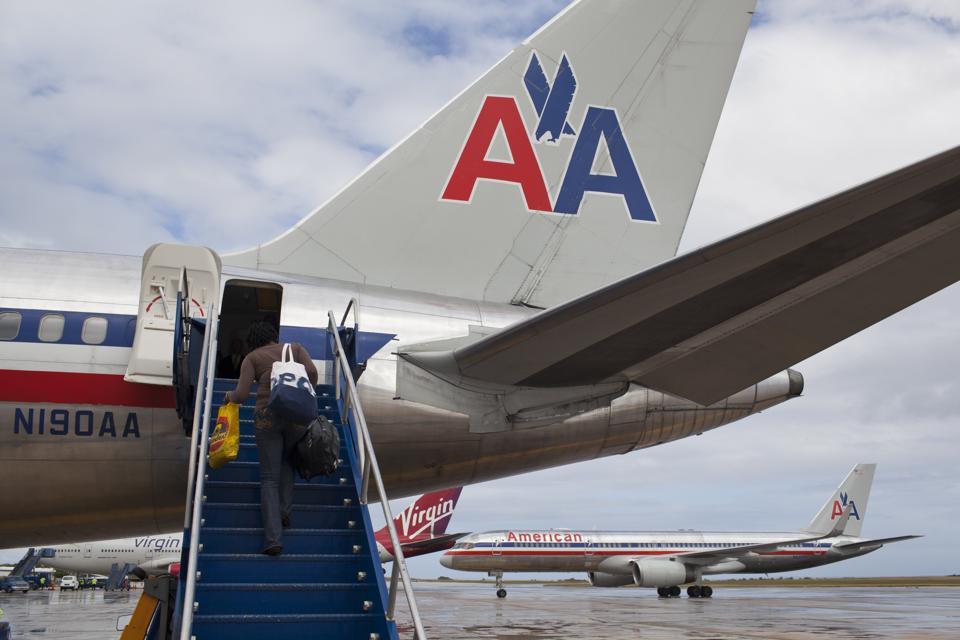 American Airlines Posts $1.1 Billion 4th Quarter Loss