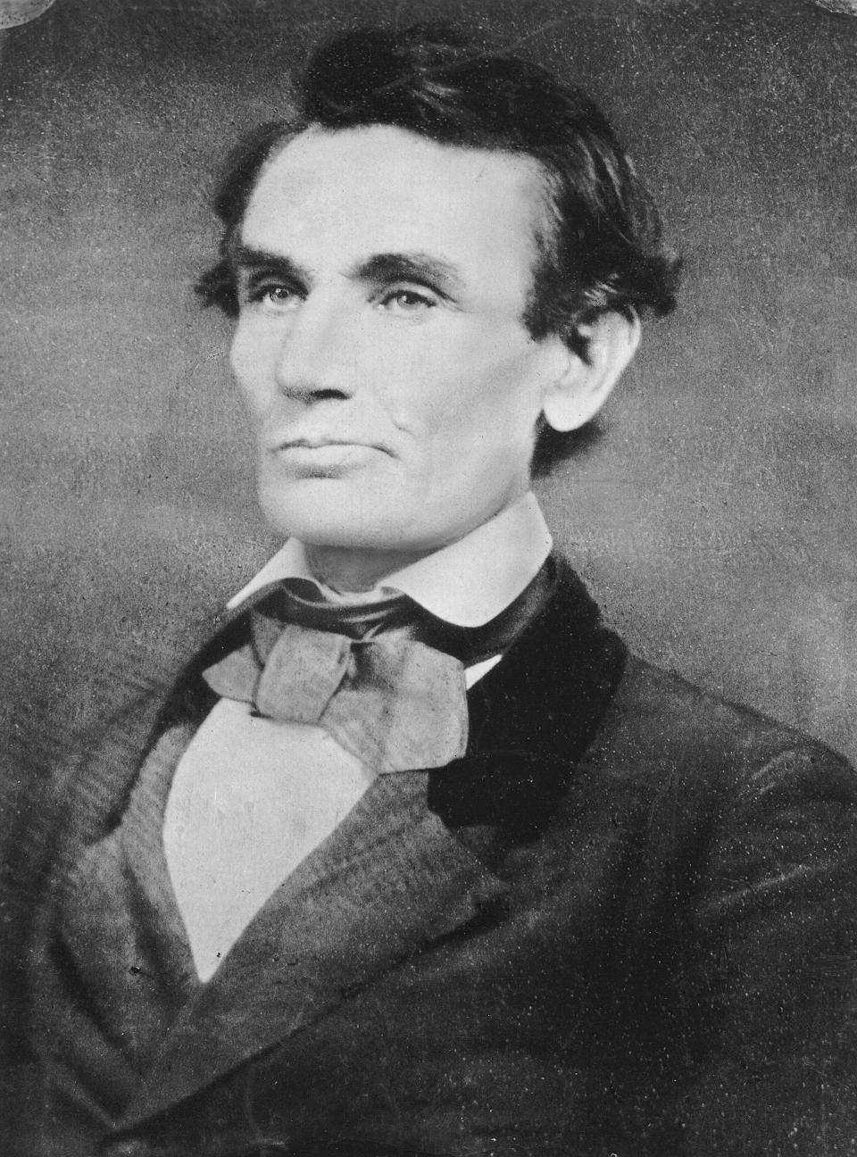 Early photo of Abraham Lincoln, taken with the Daguerreotype.