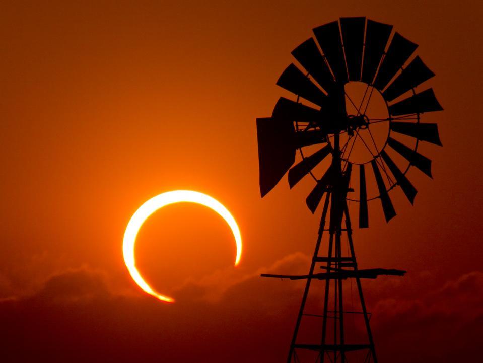 Todo lo que necesita saber sobre el eclipse solar del jueves por la mañana en América del Norte, Europa y Asia, incluido cómo ver