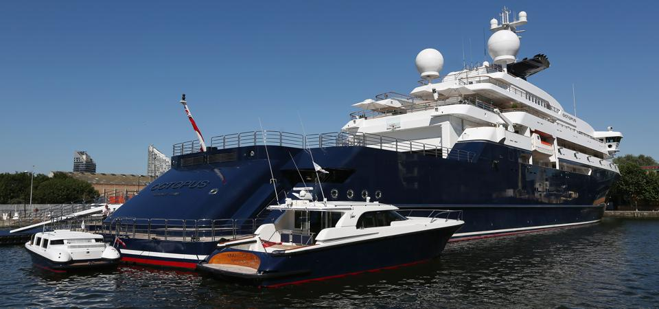Paul Allen's Octopus and its armada of support boats.