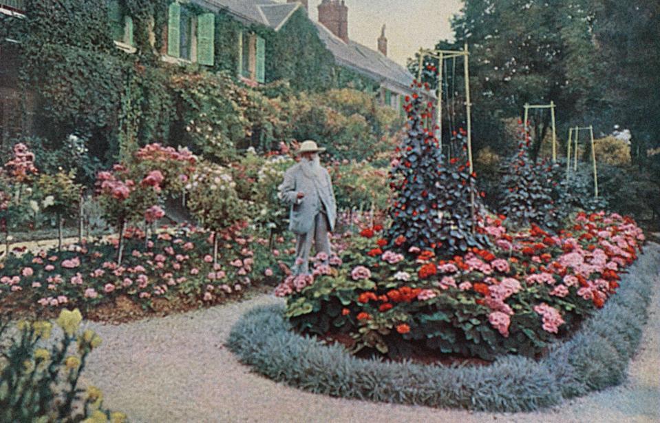 Claude Monet at Giverny.