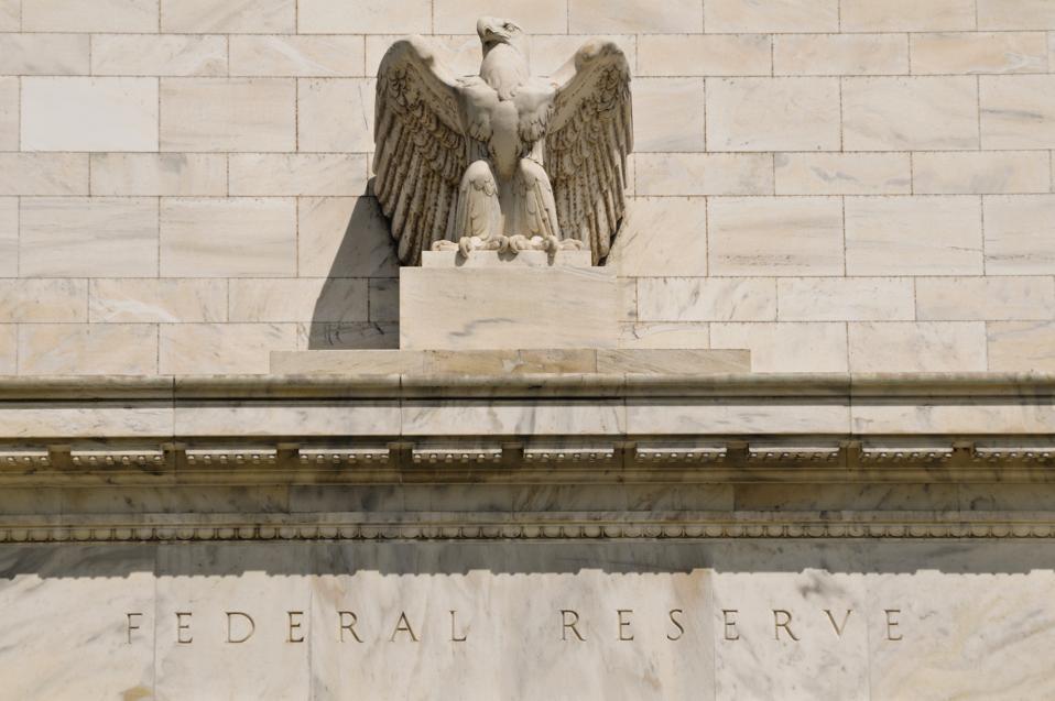 Federal reserve building eagle statue