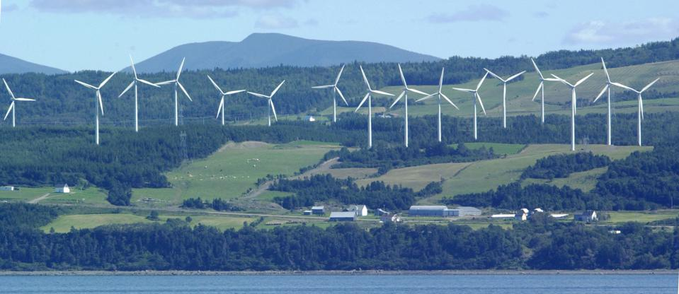 Windfarm along the South Shore of the St'Lawrenced River near Cap-Chat Quebec (DICK LOEK, TORONTO ST