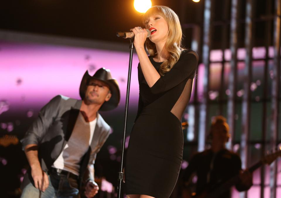 ACM Presents: Tim McGraw's Superstar Summer Night - Roaming Show