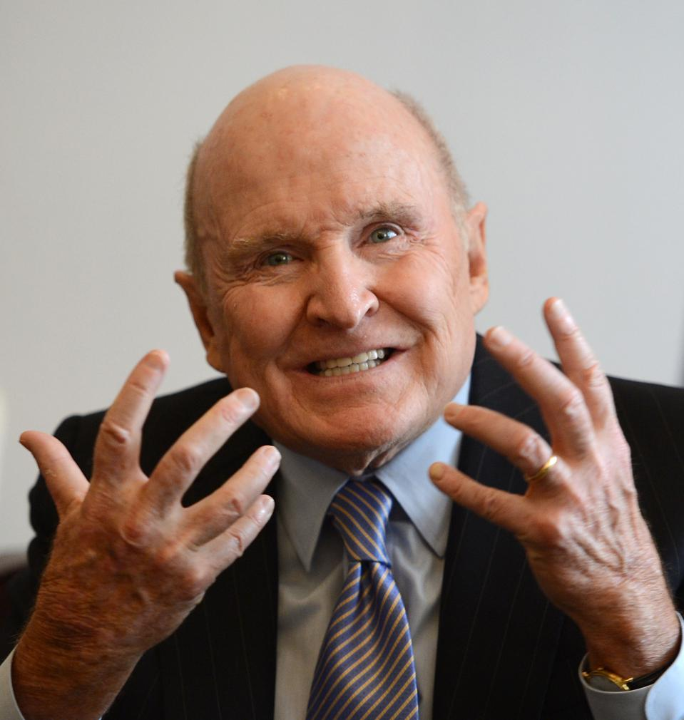 Ex-GE CEO Jack Welch should pay back the $417 million he got when he retired.