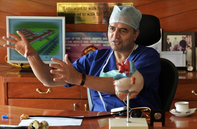 narayana hrudayalaya Find researchers and browse departments, publications, full-texts, contact details and general information related to narayana hrudayalaya hospitals.