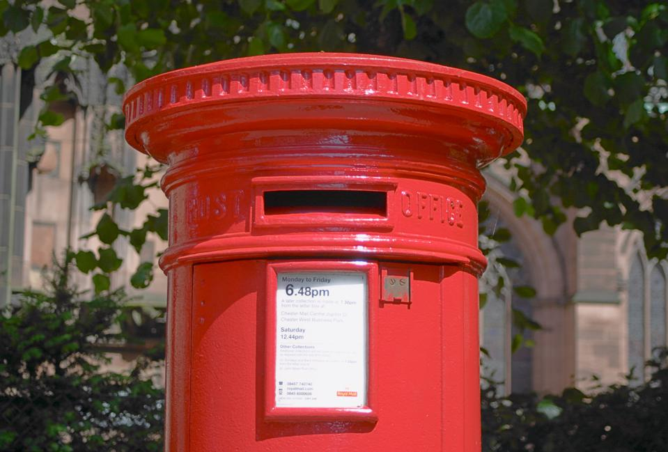 Traditional Royal Mail Postbox In Chester, Cheshire, UK