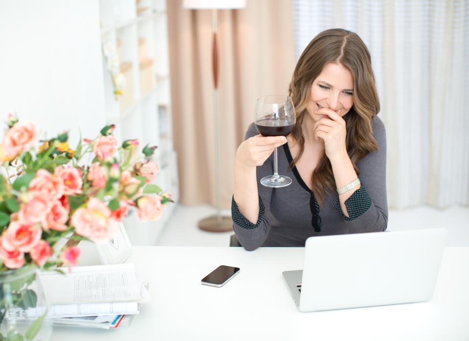 Women wine internet