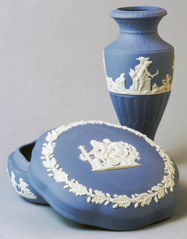 Vase and box...