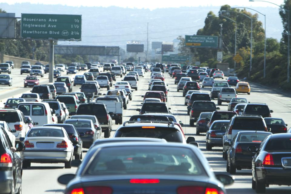 Cars in a traffic jam in Los Angeles-air pollution-trump