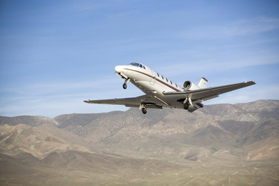 private jet, charter, flying, aircraft, covid-19, coronavirus, flying private