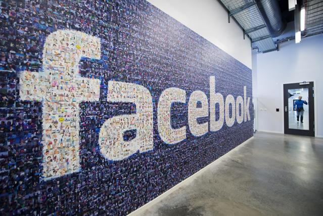 How Facebook And Twitter Fit Into B2B Marketing
