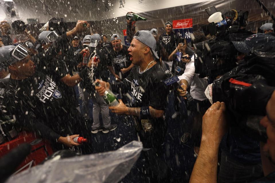 APTOPIX ALDS Yankees Twins Baseball