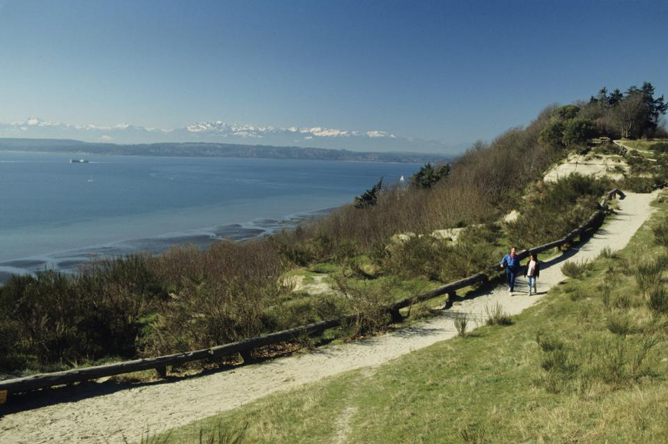 People on sandy trail, Discovery Park, Seattle, Washington, USA, elevated view
