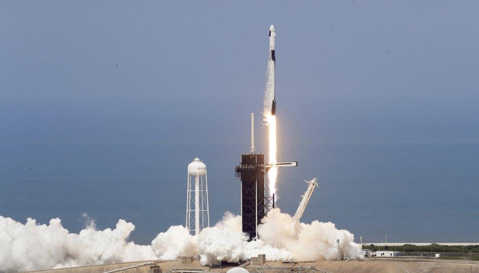 APTOPIX Home Launch
