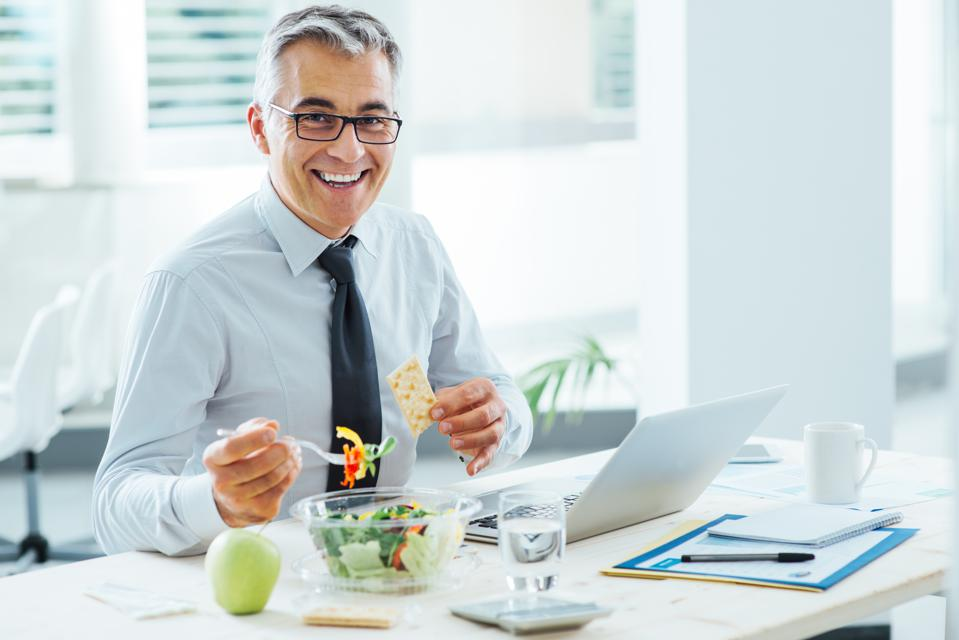 How Eating Healthy Can Actually Make You A More Effective Leader