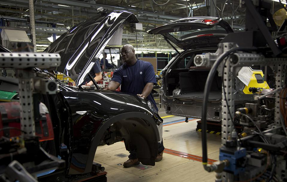 BMW Plans To Invest $900 Million At U.S. Plant For New X4 SUV