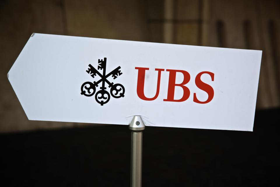 Swiss Banks UBS AG & Credit Suisse AG Branches And Office Buildings