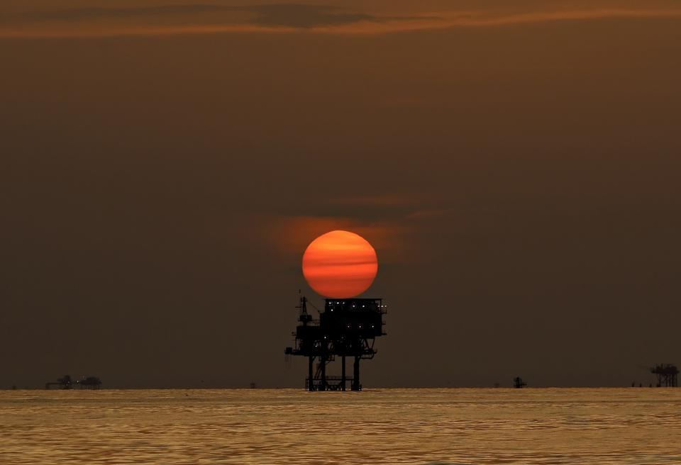 The economic and ecological effects of the oil spill on the Gulf of BP are deepening
