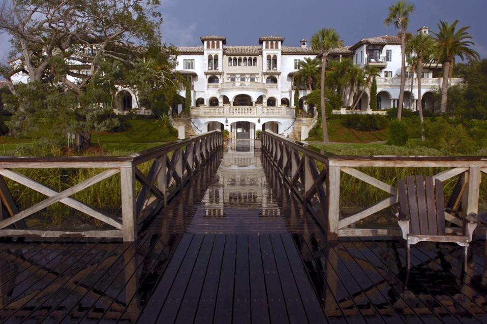 Sea Island Hires Goldman Sachs for Golf Resort Sale