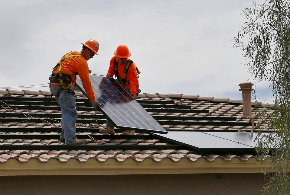 Federal Government Wakes Up To Surging Rooftop Solar