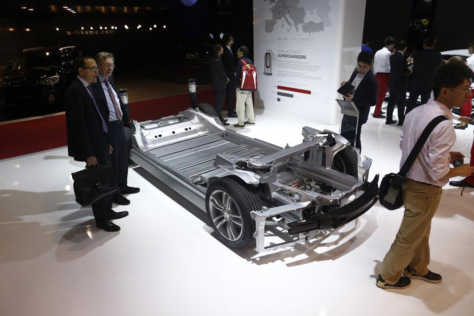 Preview Day Two At The 2014 Paris Motor Show