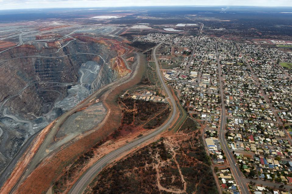 Newmont-Goldcorp Or Barrick Gold – Who Is Winning The Gold War?