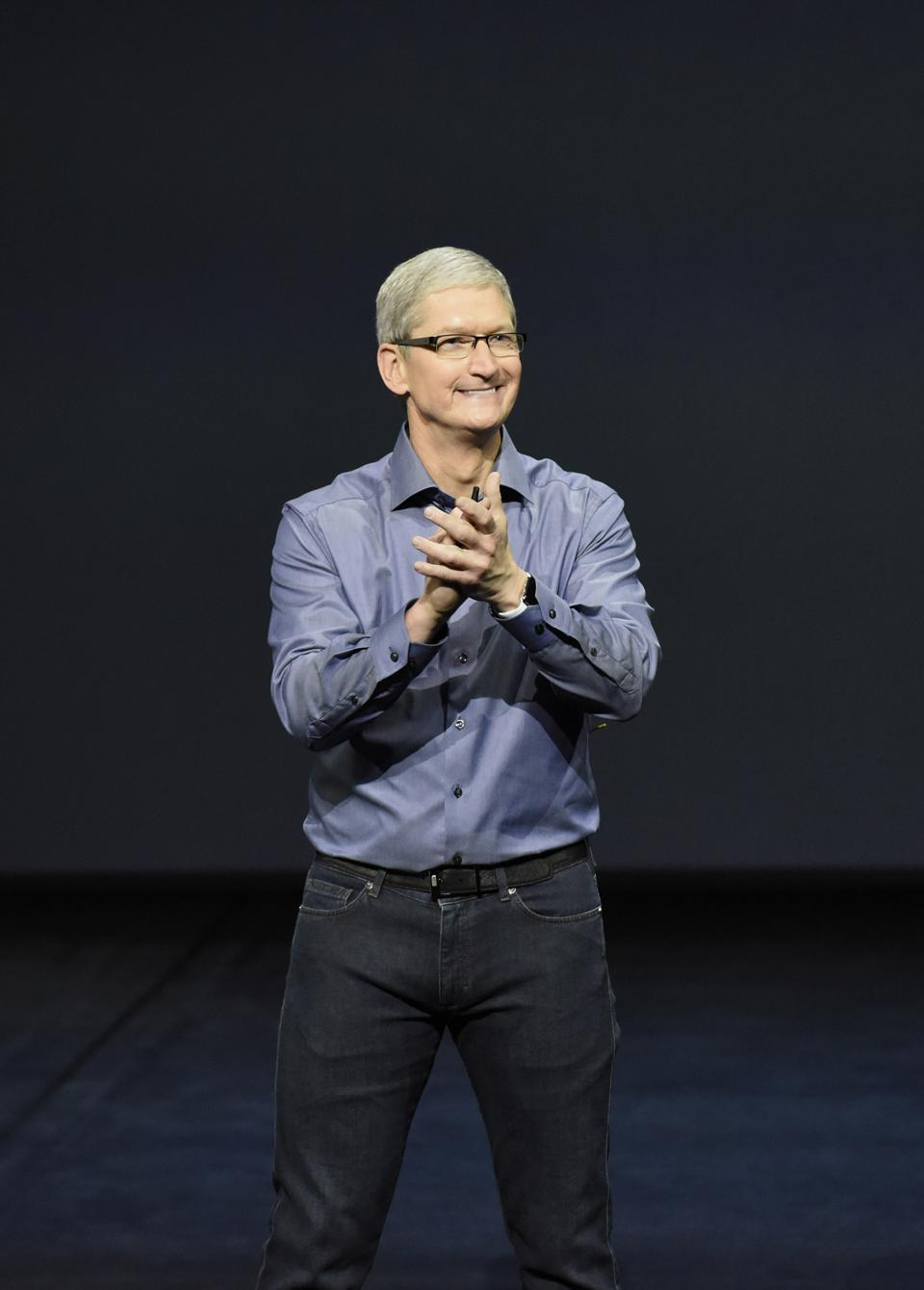 Apple Management: One Analyst Believes They Are Bozos