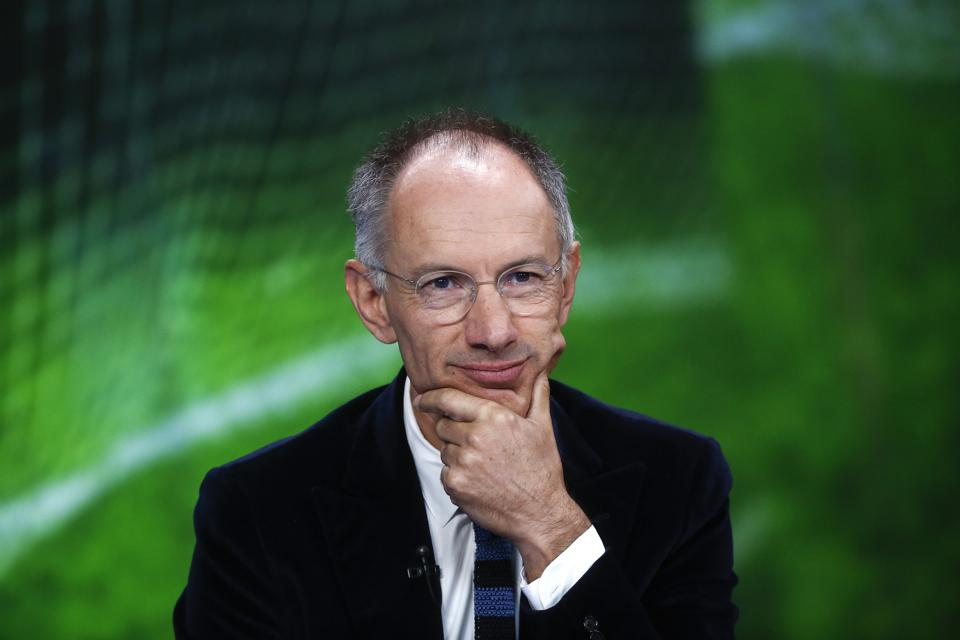 Billionaire Investor Michael Moritz And Wife Gave $50 Million To Help Low-Income UChicago Students