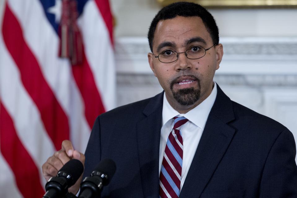 President Obama Announces Education Secretary Arne Duncan Stepping Down