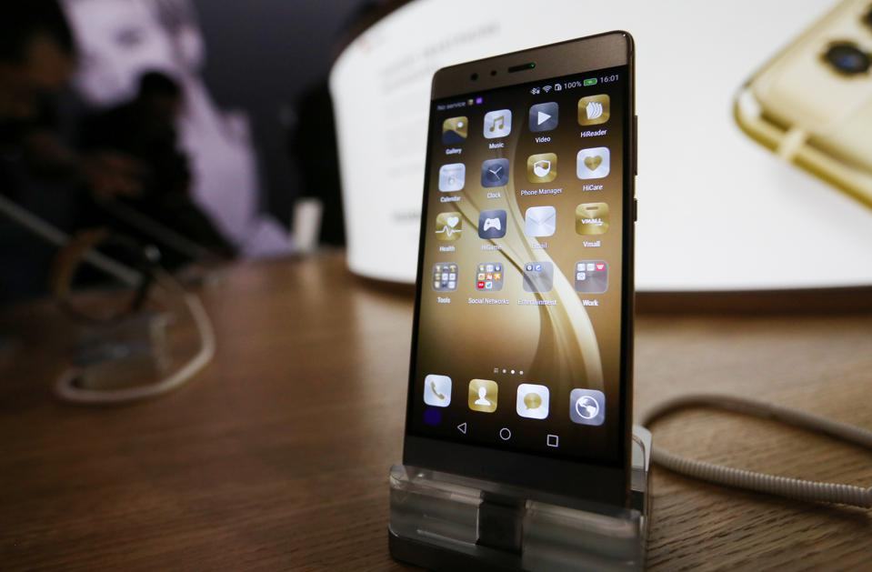 China's Huawei 'Growing Up' To Become The World's No. 1 ...