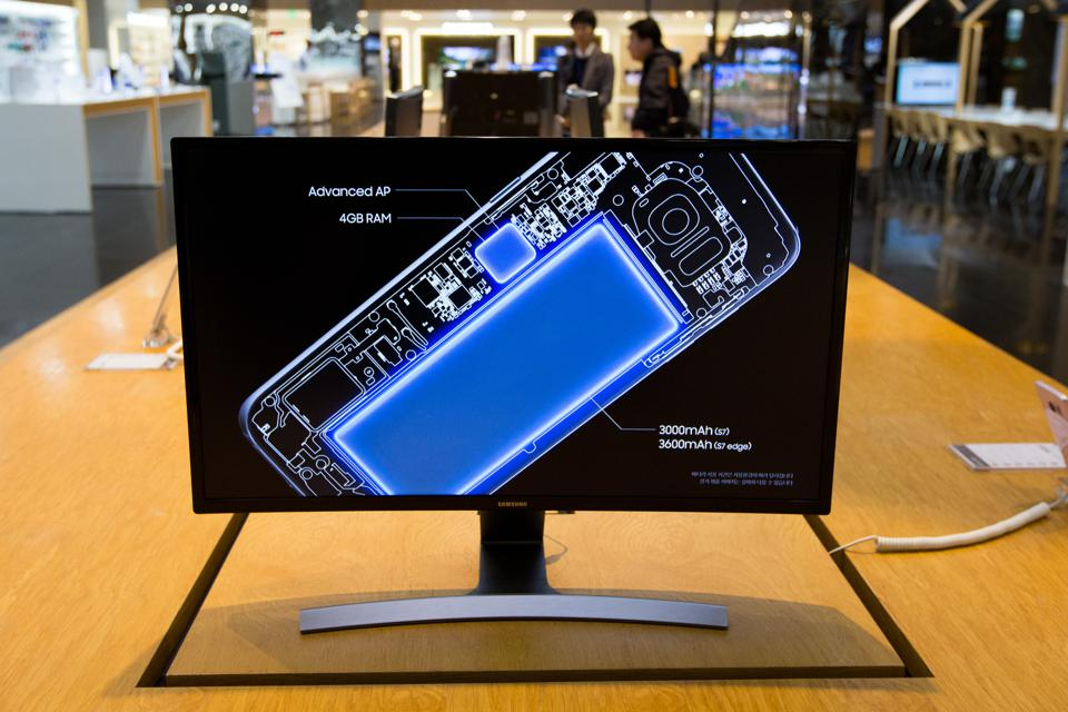 Galaxy S8 Production May Be 'Aborted' If Samsung Can't Figure Out Cause Of Note 7 Fires