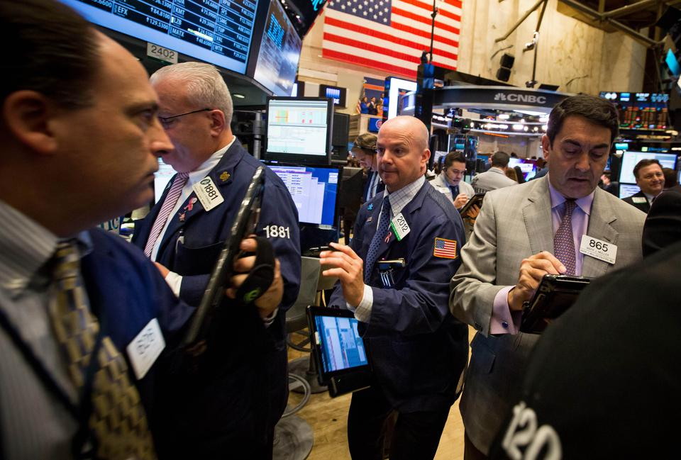 Low-Debt Companies That Will Thrive In A Market Downturn