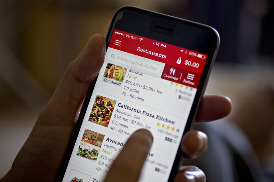 Online ordering. Photographer: Andrew Harrer/Bloomberg