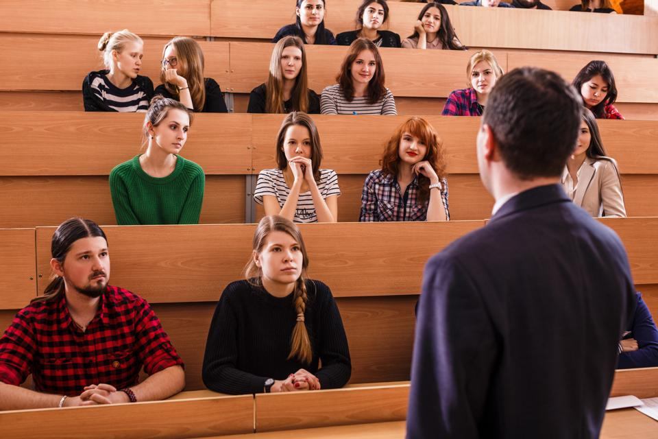 seven-challenges-facing-higher-education