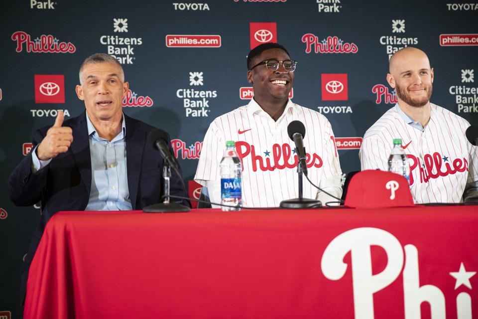 Joe Girardi, former Yankees manager, leads the Phillies in 2020 MLB season.